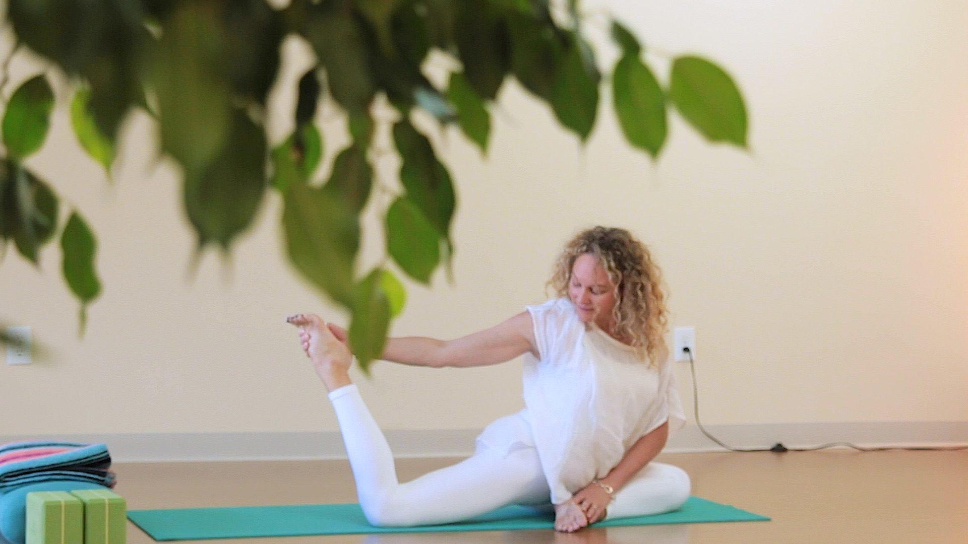 Hatha Yoga Class Aligned Yoga With Jenny Rhodes