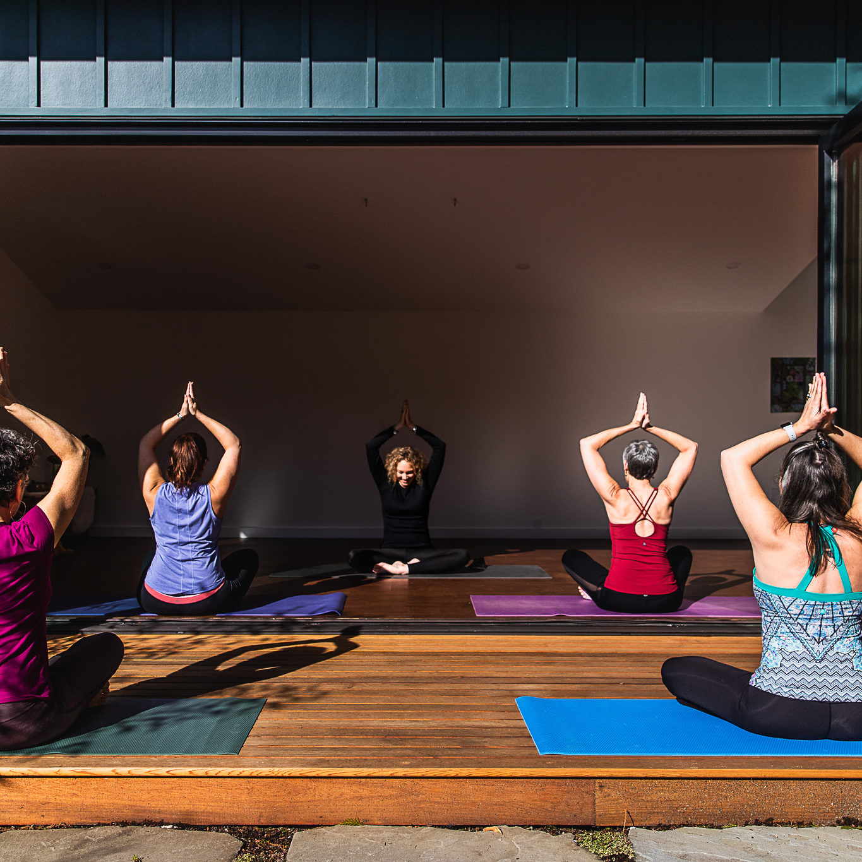 aligned-yoga-hrs-image
